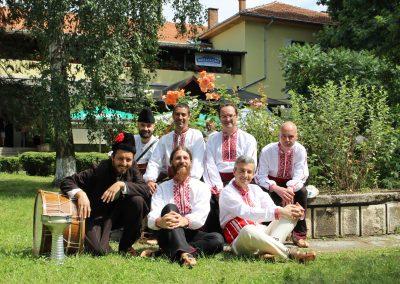 Ravnec Folklore Band